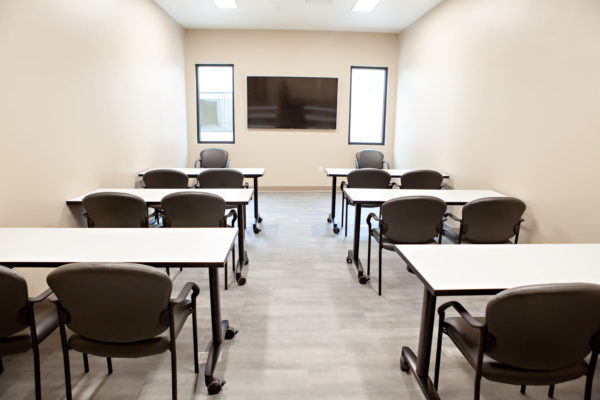 cascadia of nampa idaho conference room physical therapy rehabilitation skilled nursing